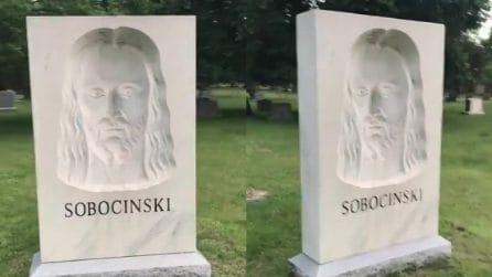 La scultura di Gesù che ti segue con lo sguardo: ma è solo un'illusione ottica