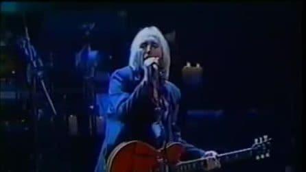 Tom Petty & The Heartbreakers si esibiscono con il grande successo 'Breakdown'