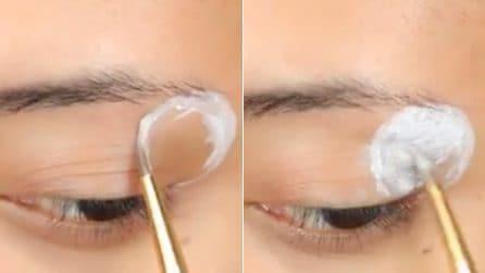 Traccia un cerchio nell'angolo esterno dell'occhio: l'effetto finale è spettacolare