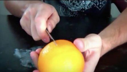 Come sbucciare un'arancia in modo perfetto: la tecnica che non tutti conoscono