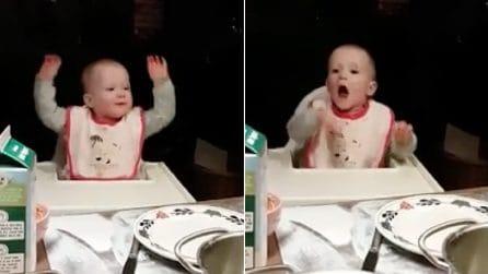 Il papà è un campione di beatbox e suo figlio prova a imitarlo: la dolcissima reazione