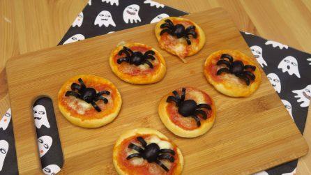 Spider pizza: a unique recipe for Halloween!