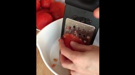 Grattugia i pomodori e realizza un piatto da acquolina in bocca