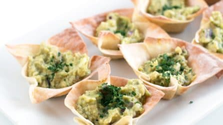 Spicy Bacon Guacamole Wonton Cups