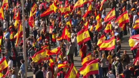 Spagna, in migliaia in piazza a Madrid per l'unità del Paese
