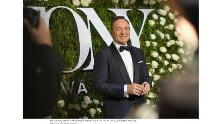 """""""Sono gay"""": il coming out di Kevin Spacey dopo l'accusa di molestie"""