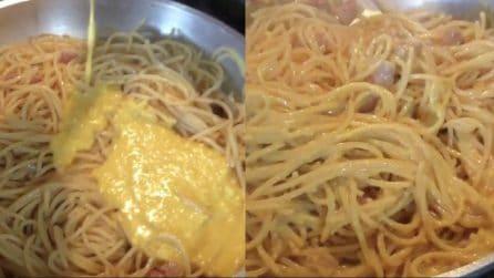 Un piatto super di carbonara: il tocco finale rende tutto più squisito