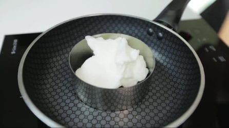Come cucinare un uovo a occhio di bue in un modo mai fatto prima