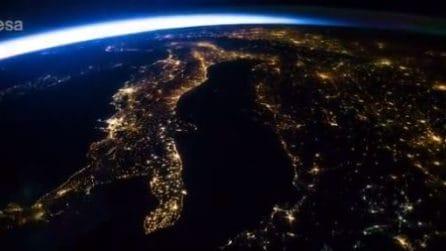 La spettacolare vista dell'Italia dallo spazio: un viaggio emozionante