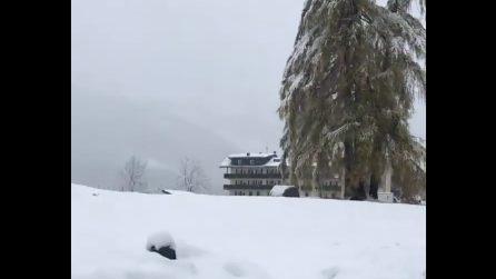 Cortina d'Ampezzo, prima nevicata stagionale: scenario suggestivo