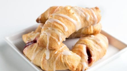Cherry Pie Crescents: perfect for breakfast!