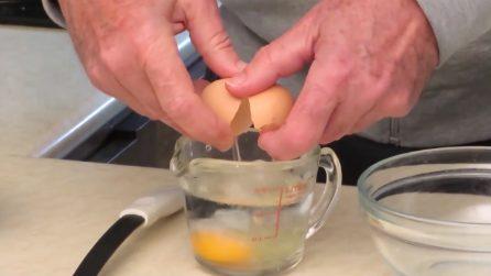Come cucinare un uovo in un minuto: l'idea per chi non ha troppo tempo a disposizione