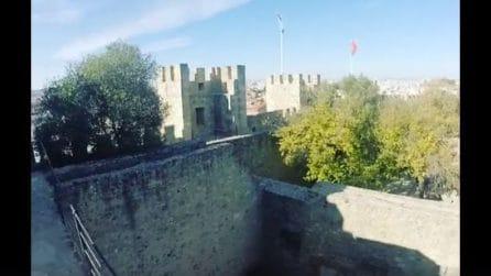 """Un """"giro"""" panoramico sul Castello di São Jorge a Lisbona"""