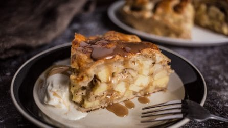 Apple cinnamon roll casserole