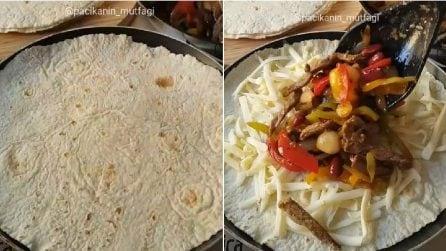 Farcisce le piadine con carne e altri ingredienti: un ripieno filante e saporito