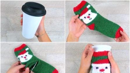Infila una tazza nel calzino: l'idea utile da provare