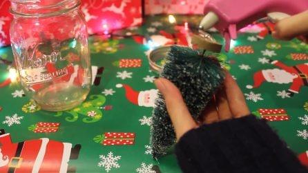 Incolla l'alberello al tappo del barattolo: una bellissima idea regalo