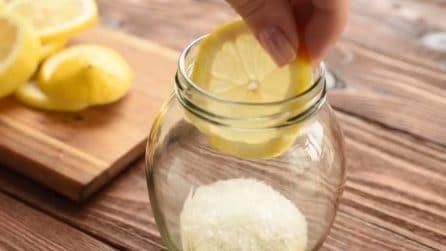 Mette limone e zucchero in un barattolo: un segreto per addolcire i pomeriggi autunnali