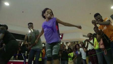 Pinki Debbie balla per 137 ore consecutive ed entra nel Guinness dei primati