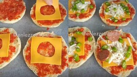 Mette una fetta di formaggio bucata nel panino: un procedimento sfizioso e saporito