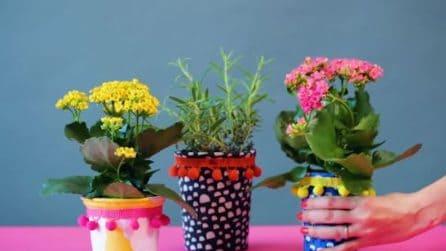 Come trasformare i contenitori dello yogurt in colorati vasetti
