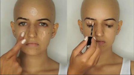 Ha perso i capelli per la chemio: la truccatrice fa sparire i segni della malattia