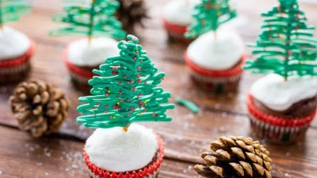 Alberi di Natale di glassa con muffin: il dolcetto facile e originale!