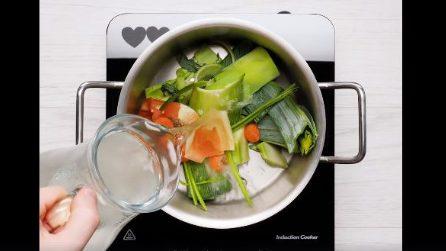Come preparare il brodo con gli scarti delle verdure