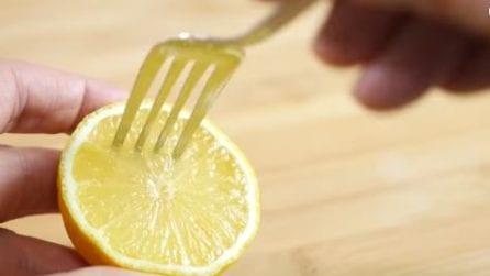 Come spremere facilmente un limone