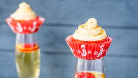 Champagne Cupcakes: a New Year's Eve dessert you won't want to miss!