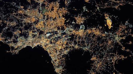 Napoli tra le 17 immagini più belle dalla spazio: il regalo della NASA