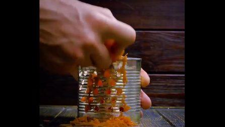 Come ricavare una grattugia dal barattolo di latta