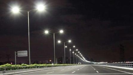 I lampioni intelligenti della Norvegia si accendono solo quando passano auto e pedoni