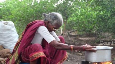 Una ricetta lunga un secolo: la nonna di 105 anni cucina per i nipoti