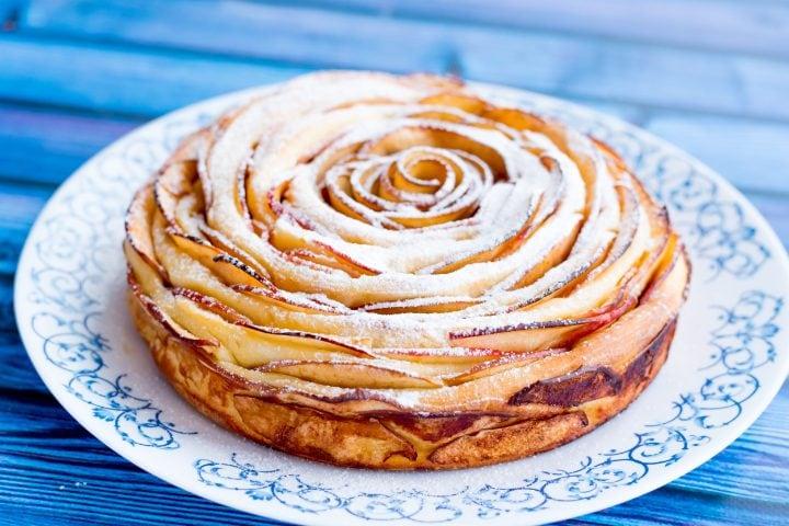Torta Di Mele Arrotolata Lidea Geniale In Pochi Minuti