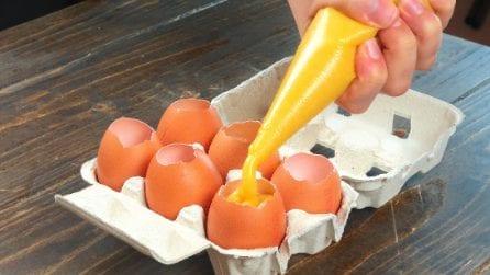 Versa l'impasto della torta nel guscio d'uovo: il trucchetto da provare