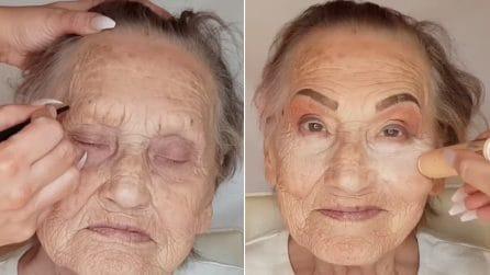 """""""La bellezza non ha età"""": trucca la nonna 81enne e la rende meravigliosa"""