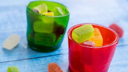 Come fare dei bicchieri di gelatina