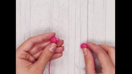Come riparare gli auricolari con la spugna da cucina