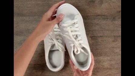 Le scarpe emanano un cattivo odore: un trucchetto per eliminarlo