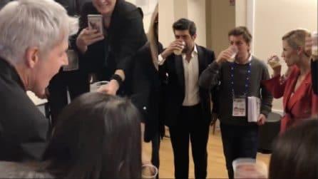 Sanremo 2018, Baglioni, Favino e Michelle Hunziker brindano con lo staff
