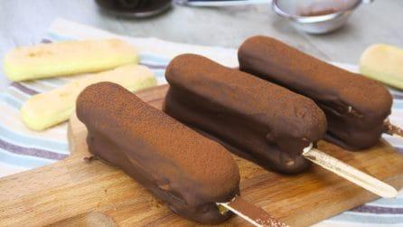 Tiramisù su stecco: l'idea originale per gustare il dolce più amato della tradizione!