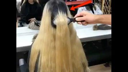 Entra nel salone in questo stato: guardate come il parrucchiere riesce a trasformarla