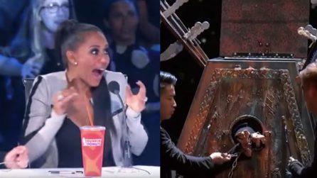 La prova al talent show è da brividi: una giudice urla terrorizzata