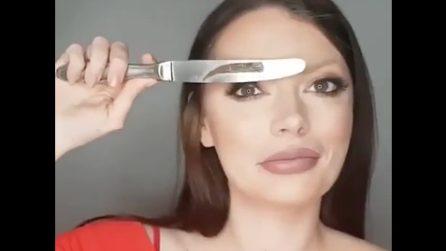 Sopracciglia troppo sottili: prende un coltello e le trasforma con un solo gesto
