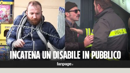Incatena un disabile davanti al supermercato, le reazioni dei passanti [Esperimento sociale]