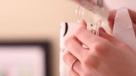 Tenda e tappetino della doccia sporchi: ecco un rimedio per pulirli