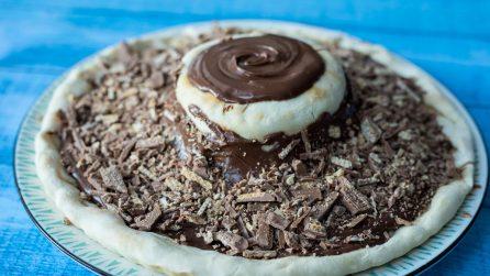 Pizza vulcano al cioccolato: un'esplosione di golosità!