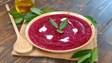 Creamy beet soup: a tasty and colorful recipe