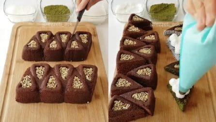Taglia i triangoli al cioccolato e li farcisce: mini torte golosissime